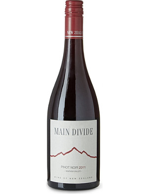 NEW ZEALAND Pinot Noir 750ml