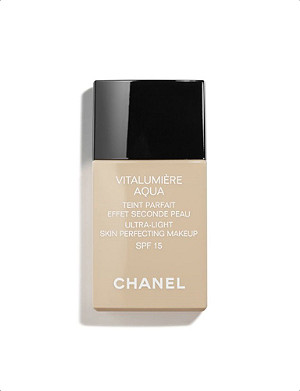 CHANEL VITALUMIÈRE AQUA Ultra-Light Skin Perfecting Makeup SPF 15 30ml