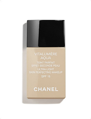 CHANEL VITALUMIÈRE AQUA Ultra–Light Skin Perfecting Makeup Instant Natural Radiance SPF 15