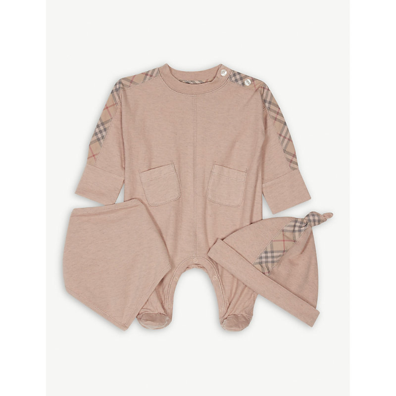 BURBERRY | Colby Bodysuit, Hat And Bib Set 1-6 Months | Goxip