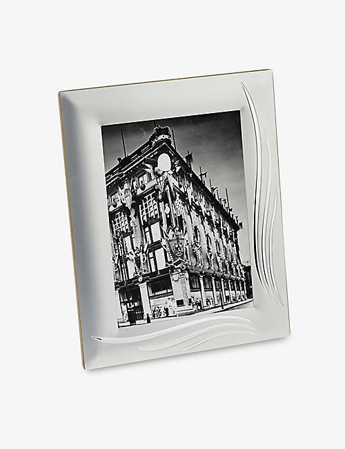 ARTHUR PRICE: Weston silver-plated photo frame 5x7""