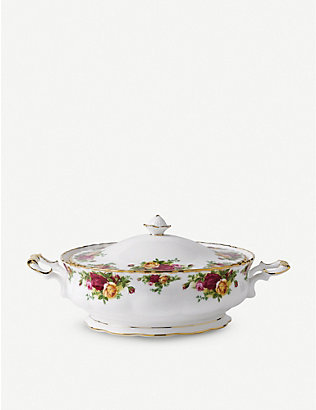 ROYAL ALBERT: Old Country Roses oval covered vegetable dish 23cm