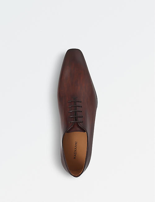 MAGNANNI Leather wholecut shoes