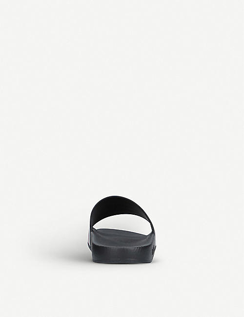 GUCCI Pursuit rubber sliders 8-9 years