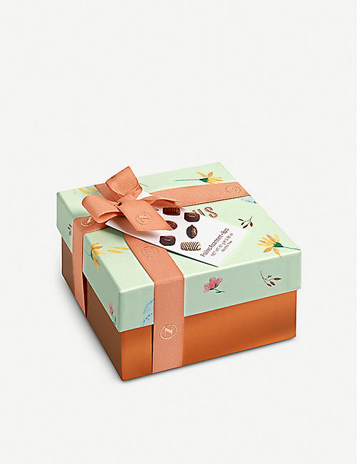 NEUHAUS Easter gift box of 8 chocolate pralines 81g