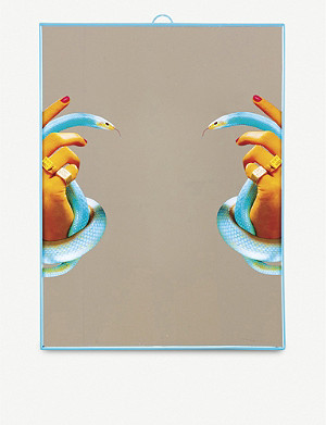 SELETTI Toiletpaper plastic and glass hands with snakes mirror