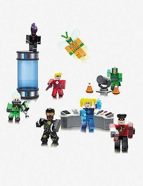 POCKET MONEY ROBLOX Heroes of Robloxia playset