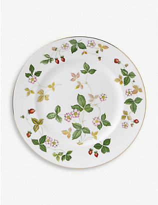 WEDGWOOD: Wild Strawberry bone china plate 27cm