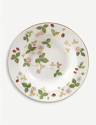 WEDGWOOD: Wild Strawberry bone china soup plate 20cm