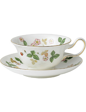 WEDGWOOD Wild Strawberry bone china tea saucer
