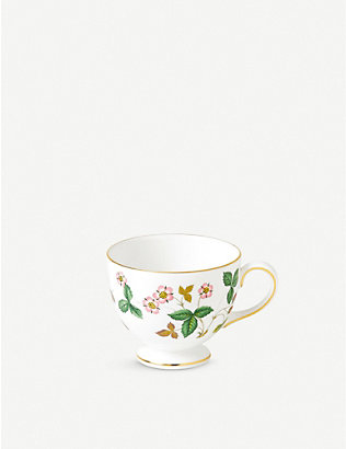 WEDGWOOD: Wild strawberry teacup