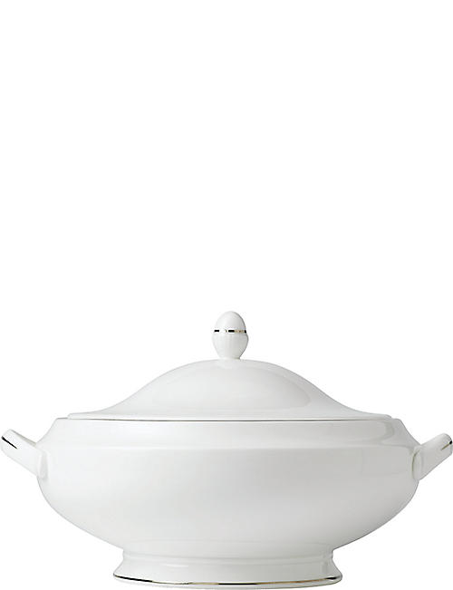 WATERFORD: Signet Platinum covered vegetable dish