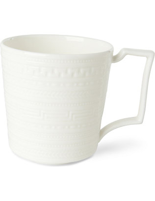 WEDGWOOD: Intaglio fine bone china mug