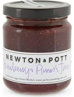 CONDIMENTS & PRESERVES Strawberry & Pimm's jam 270g