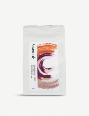 ASSEMBLY COFFEE Roberto Ulloa – Kenia coffee blend 250g
