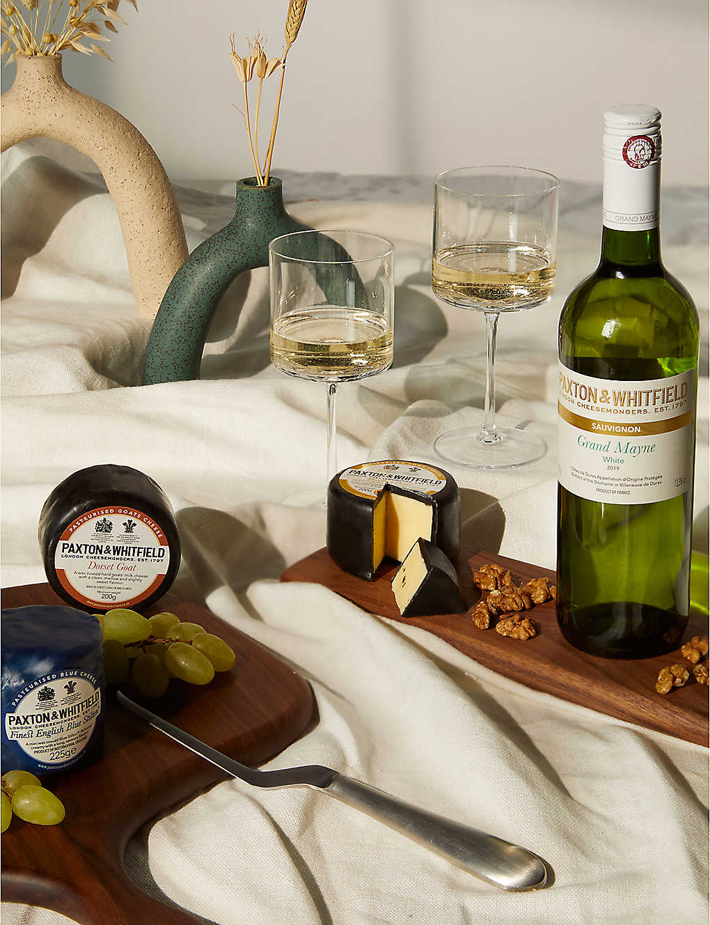 PAXTON & WHITFIELD: Three Cheese & White Wine Gift Set