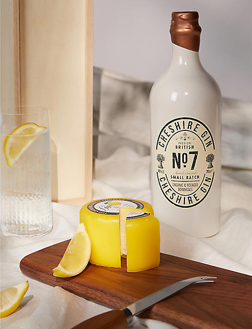 CHESHIRE CHEESE COMPANY Gin and waxed cheese gift set