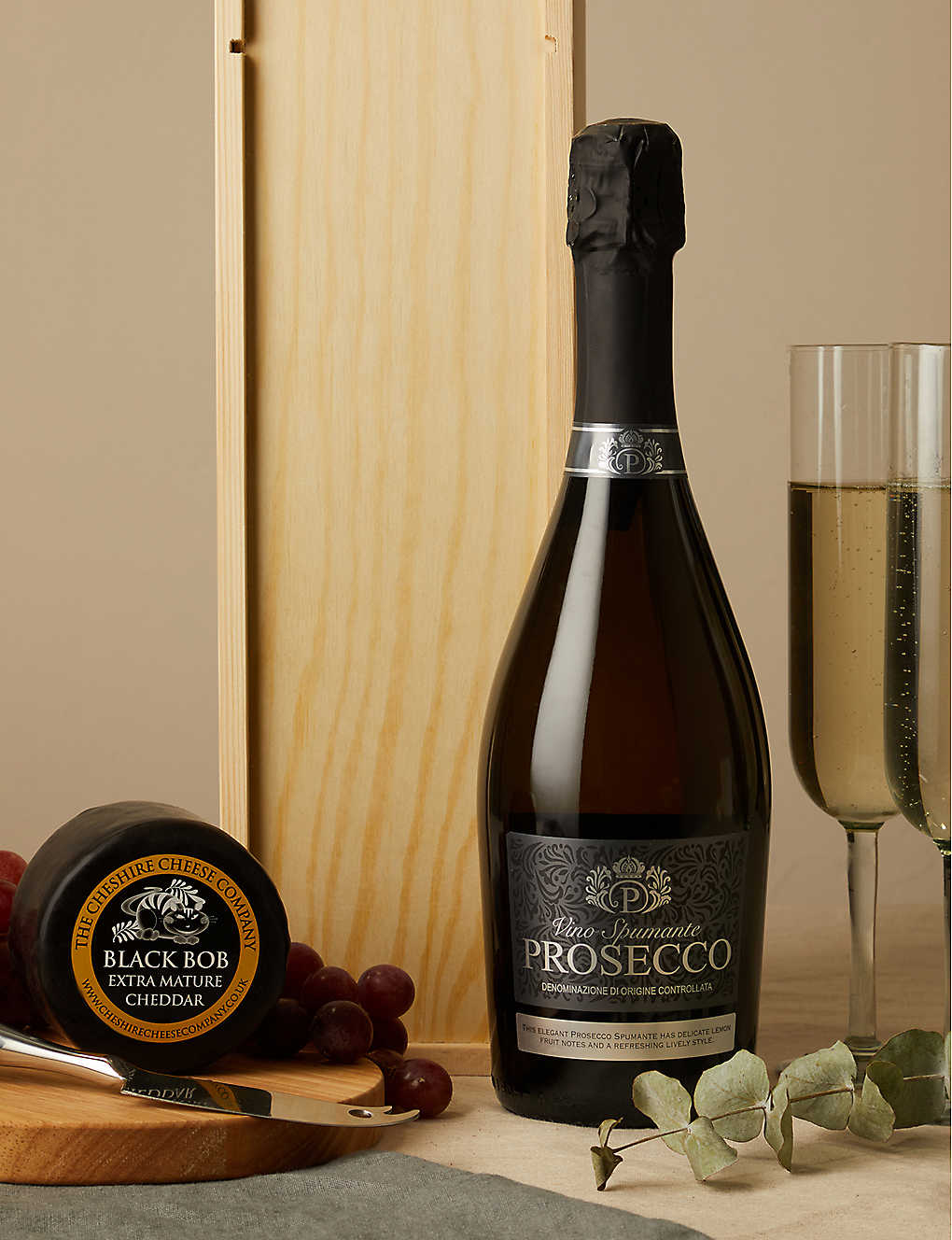 CHESHIRE CHEESE COMPANY: Prosecco and Black Bob extra mature cheddar cheese set