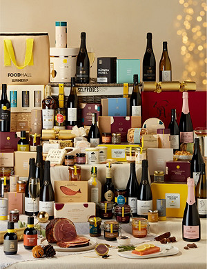 SELFRIDGES SELECTION Christmas Treasures Hamper