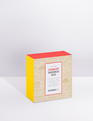 SELFRIDGES SELECTION Strawberry shortbread bites 100g