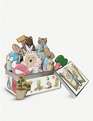 BISCUITEERS: Beatrix Potter biscuit tin 800g
