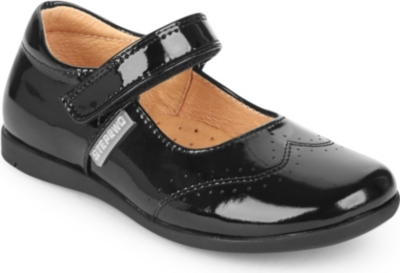 STEP2WO Hayley patent bar shoes 5-9 years