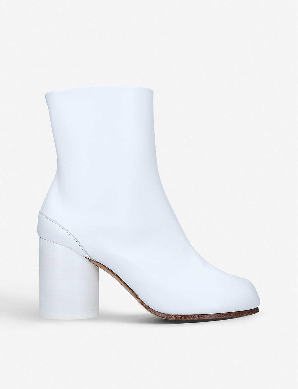 Maison Margiela Tabi Leather Split-toe Boot In White