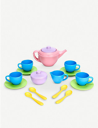 GREEN TOYS: Recycled-plastic tea set
