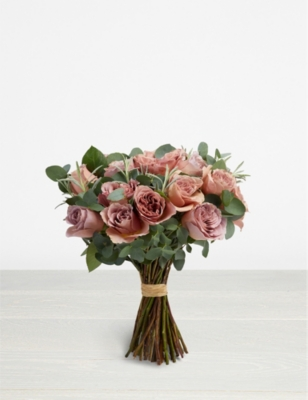 THE REAL FLOWER COMPANY Simply Café Latte scented bouquet