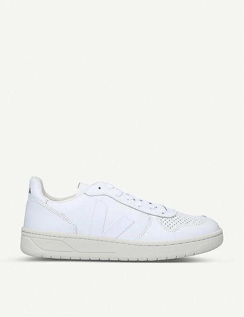 VEJA: Low-top leather trainers