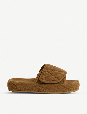 YEEZY Season 7 fleece sliders