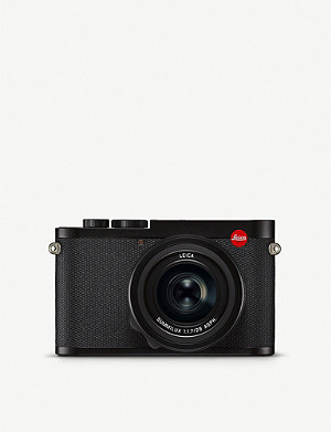 LEICA Q2 mirrorless digital camera