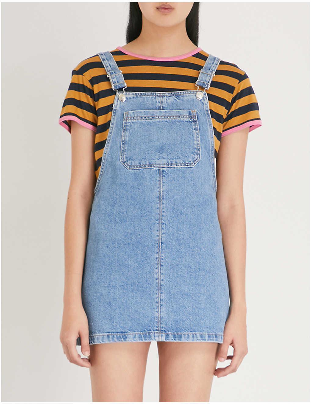 a8a3000232 TOPSHOP - Bib-pocket denim pinafore dress