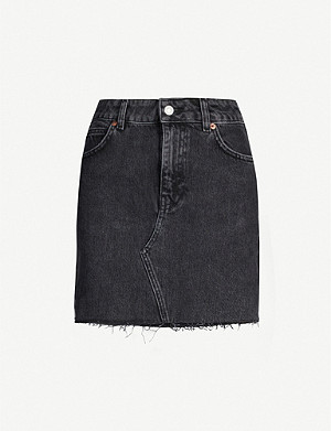 TOPSHOP Raw-hem faded denim skirt