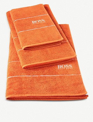 BOSS Plain Jaffa cotton bath towel 70x140cm