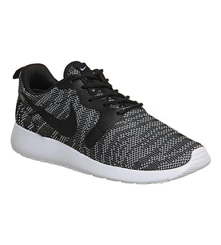 cdbb68a82a11 NIKE Roshe run jacquard trainers (Black+white+jacquard ...