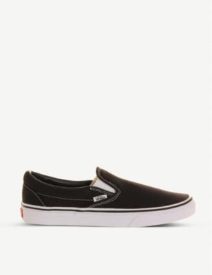 Vans Classic Slip-on Sneakers In Black In Black White
