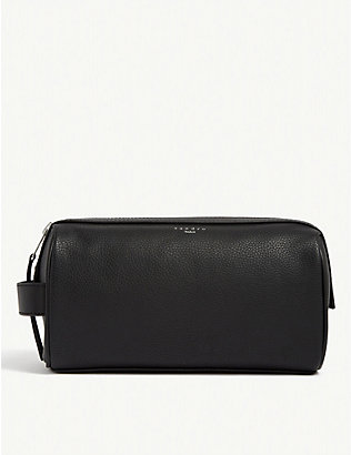 SANDRO: Grained leather wash bag