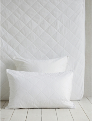 THE WHITE COMPANY Luxury anti-allergy king pillow protector 50x90cm