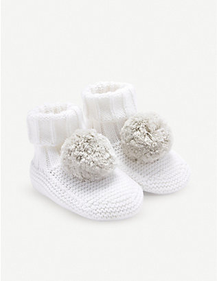 THE LITTLE WHITE COMPANY: Knitted pompom booties