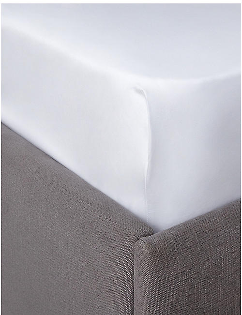 THE WHITE COMPANY: Egyptian cotton sateen deep fitted emperor sheet 200x200cm