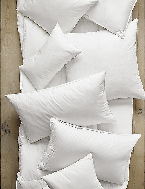 THE WHITE COMPANY Square duck feather-filled pillow