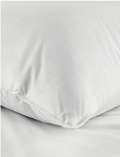 THE WHITE COMPANY Duck feather & down cotton super king pillow