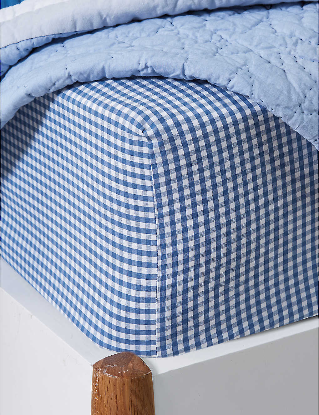 THE LITTLE WHITE COMPANY: Gingham fitted cot bed sheet 70x140cm