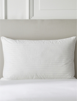 THE WHITE COMPANY Hungarian goose down and feather superking pillow
