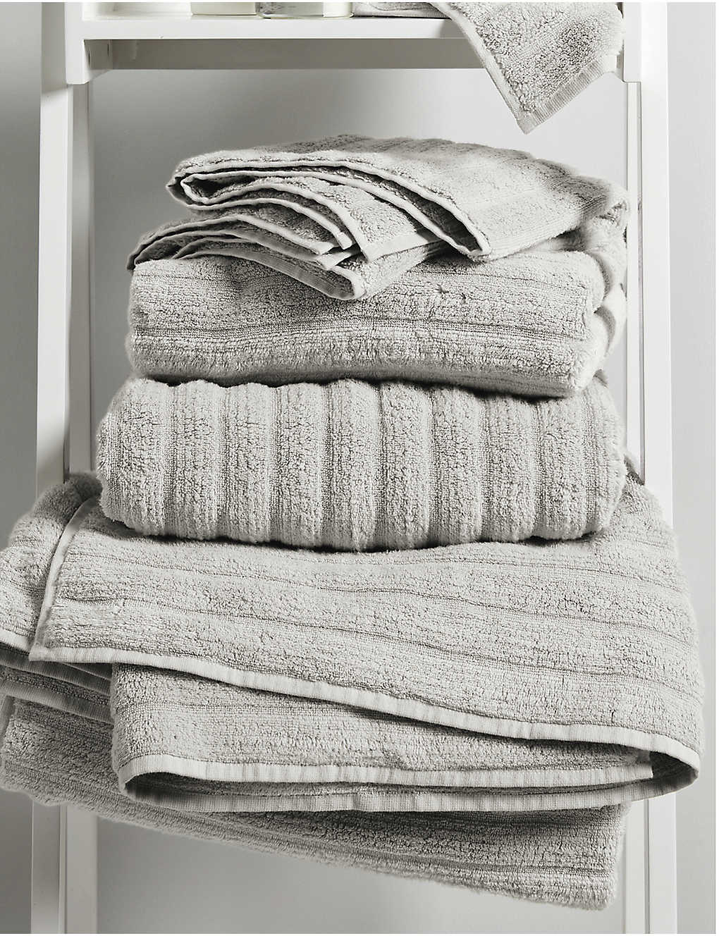 THE WHITE COMPANY: Ribbed Hydrocotton hand towel 90cm x 50cm