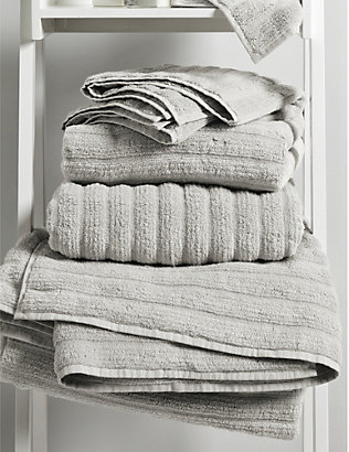 THE WHITE COMPANY: Hydrocotton ribbed bath sheet 150cm x 100cm