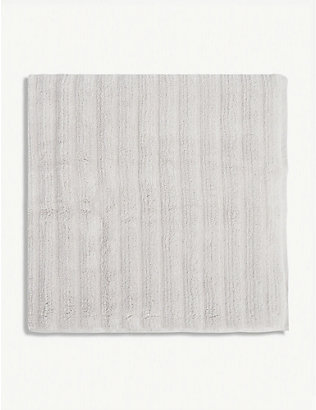 THE WHITE COMPANY: Ribbed Hydrocotton bath towel 70cm x 125cm