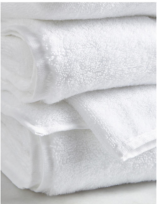 THE WHITE COMPANY Classic hydrocotton bath towel 125cm x 70cm