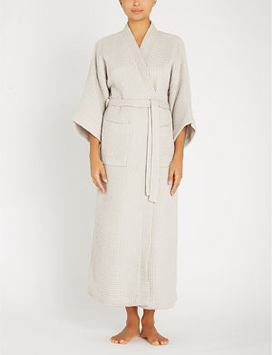 572c8eb538 THE WHITE COMPANY Lightweight waffle-weave cotton-blend dressing gown